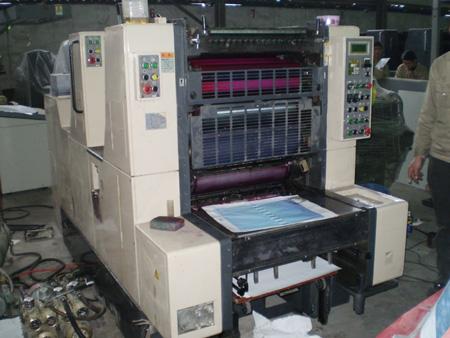 印刷机进口报关现场图